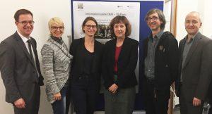 Dr. Stephan Pfisterer (BMBF), Regina Kahle (DIE), Dr. Caroline Surmann (DLR), Dr. Gabriele Hausdorf (BMBF), Ingo Blees (DIPF), Dr. Bodo Rödel (BIBB) (v.l.n.r.)