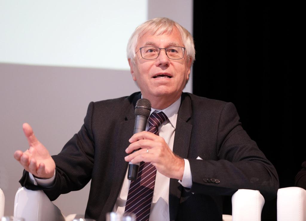 foto Professor Dr. em. Horst Weishaupt