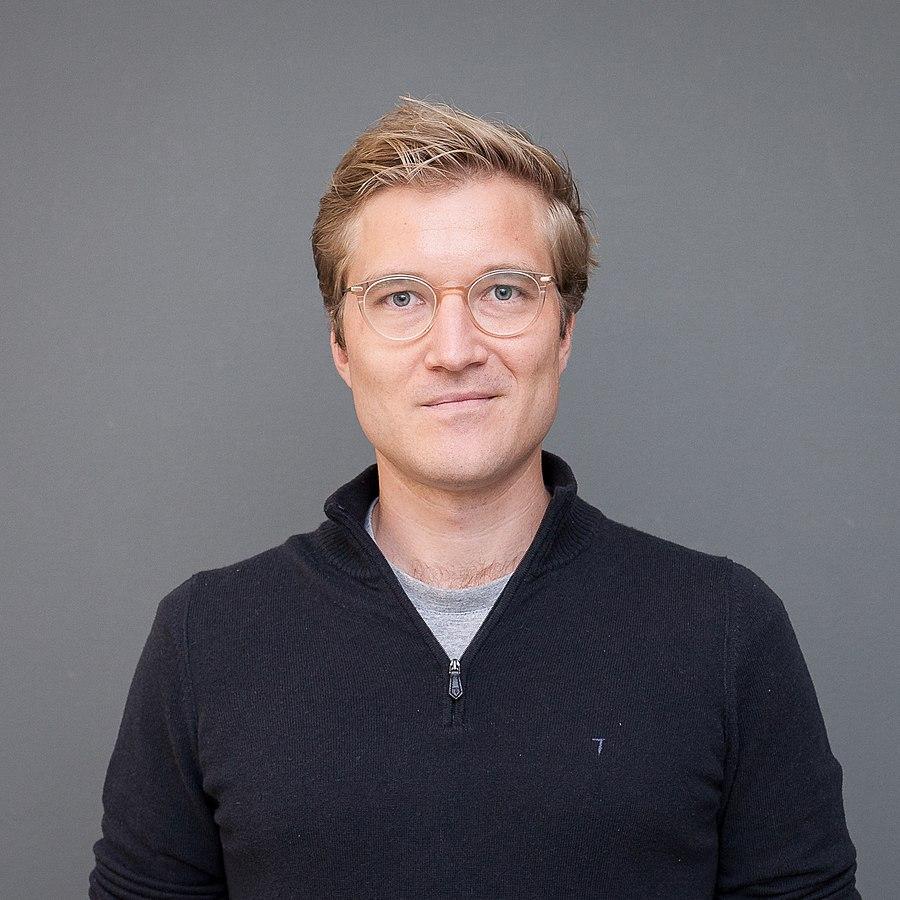 Dr. Benedikt Fecher